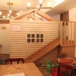 """""""tsumiki cafe""""が""""tsumiki食堂""""に、木のおうちがあるキッズスペースでカフェタイム"""