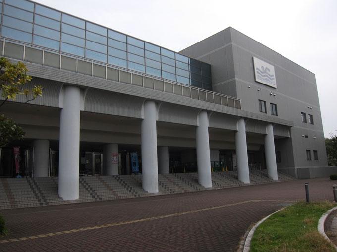 【2017年3月末まで】日曜限定!4時からお得にプールに入れちゃう!「茨木市西河原市民プール」