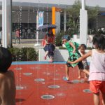 ららぽーとエキスポシティにある噴水 「ポップジェット」で水遊び