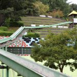 公園へ行こう!茨木市の元祖ローラーすべり台。忍頂寺スポーツ公園&竜王山荘